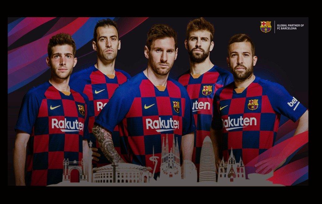 FC Barcelona è una fonte di guadagno per la città, Immagione con i giocatori più rappresentativi (Messi in primis ) e lo skyline di Barcellona