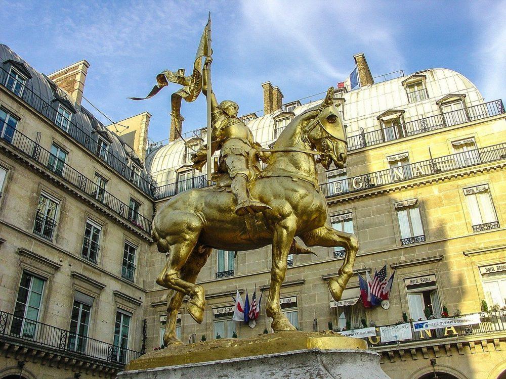 giovanna d'arco statua