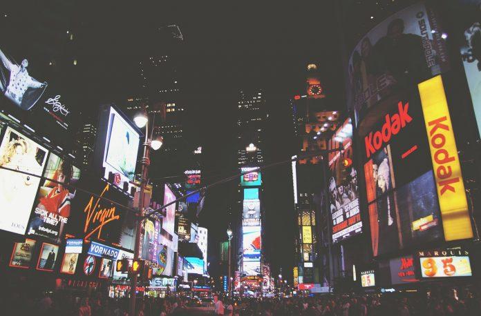 cartelloni pubblicitari times square