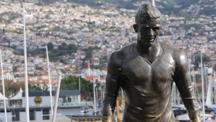 statua cristiano ronaldo