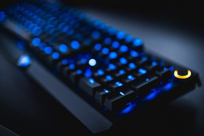 tastiera per giochi online